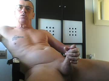 [10-04-21] pappnase111 record public show video from Chaturbate.com