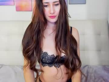 [22-08-20] monica_carter video with toys