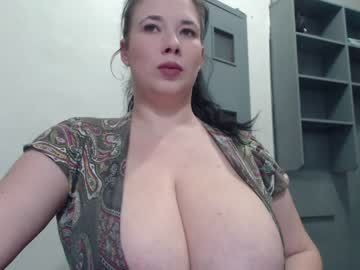 [01-03-21] hugge_tits record cam video from Chaturbate