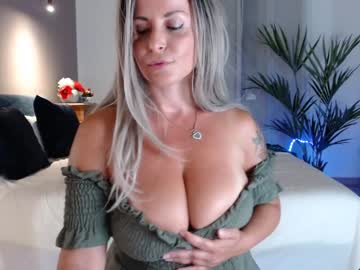 [16-07-20] naughtyelle public show video from Chaturbate