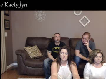 [07-03-20] wife_layla public webcam video from Chaturbate.com