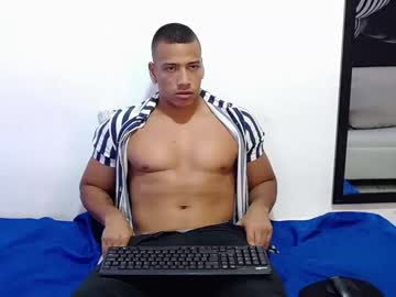 [06-09-21] tom_muscle_ public show from Chaturbate