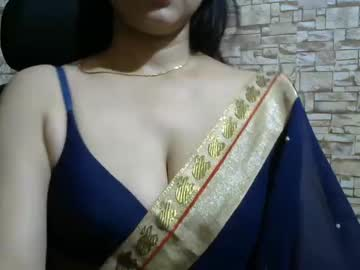 [16-12-20] sexyaaliya786 record video with toys