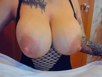 [12-10-21] sweetpussy1311 record public show video from Chaturbate