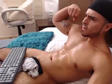 [21-05-20] derekfitn3ss record video with toys from Chaturbate