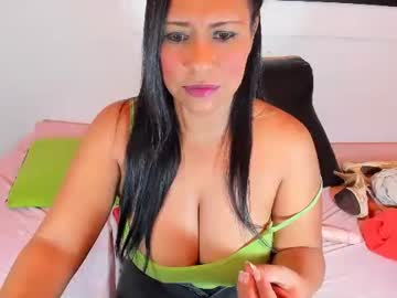 [05-02-21] candyummyx public show from Chaturbate