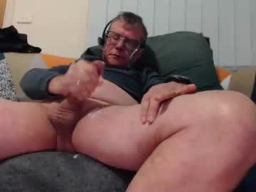 [08-06-21] aussiemalet video with dildo from Chaturbate