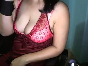 [18-03-20] hotladyroom public show from Chaturbate