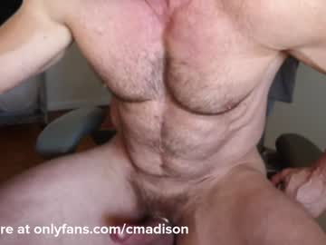 [31-10-20] 220muscled public show from Chaturbate.com