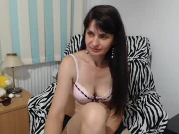 [24-08-20] hotmaria73 record video with toys