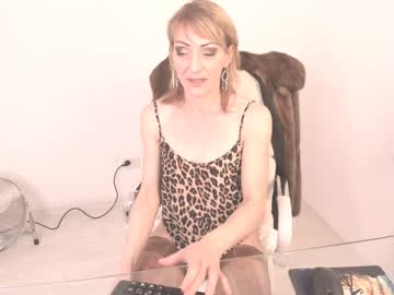 [04-07-20] luxurychickx record public show video from Chaturbate