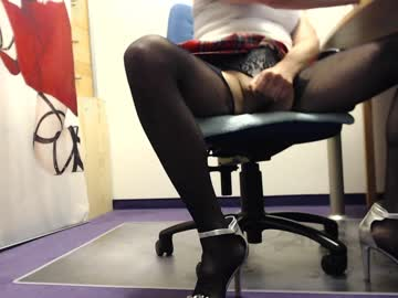 [21-07-20] chris_hot73 private XXX show from Chaturbate