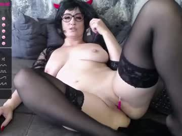 [06-11-20] ohevelynlike public webcam video from Chaturbate.com