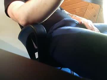 [18-10-21] beardgame227 public show from Chaturbate