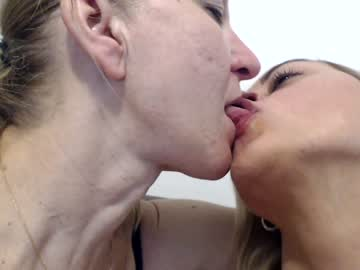laura47_sweet chaturbate