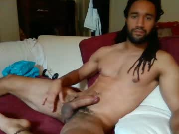 [01-11-20] lucaanthony14 record video with toys