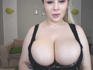 [24-03-20] ruwellia show with toys from Chaturbate