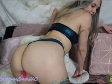 [19-02-20] brittneysnowxo record video with dildo from Chaturbate