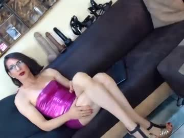 [05-10-20] gianina_cd public show from Chaturbate