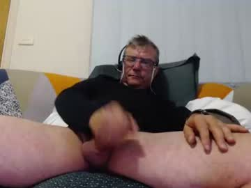 [14-04-21] aussiemalet video with toys from Chaturbate