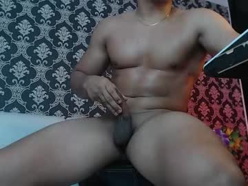 [14-10-21] tom_muscle_ chaturbate public show