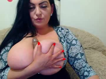 [07-05-20] hugeboobsella record public show video from Chaturbate