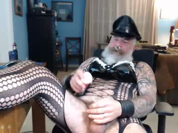 [25-10-20] njdbear show with toys from Chaturbate