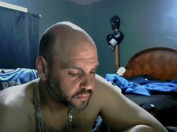[11-04-20] muffdiver718 public show video from Chaturbate