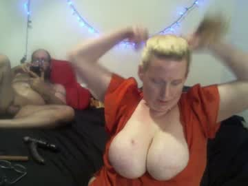 [09-03-20] analashley69 video with toys