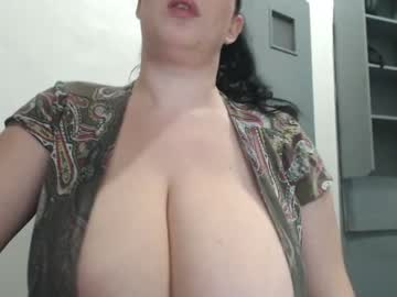 [16-12-20] hugge_tits public webcam video from Chaturbate