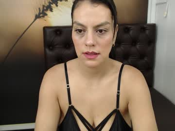 [02-12-20] cleo_w public webcam video from Chaturbate